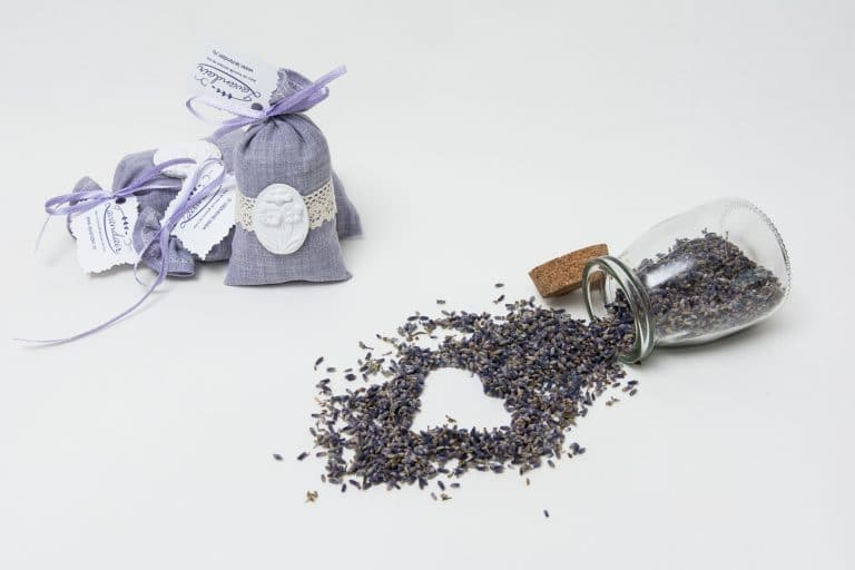 Saculet aromati Nobila cu inflorescenta de lavanda