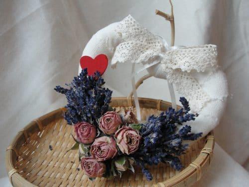 Decoratiune inima cu trandafiri si lavanda