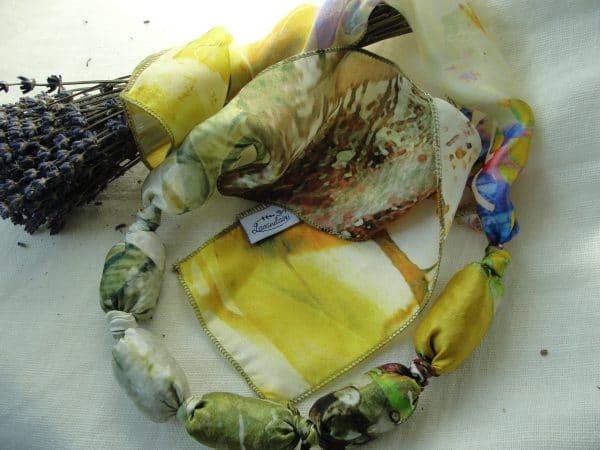 Colier aromatic umplut cu inflorescenta de lavanda (galben)