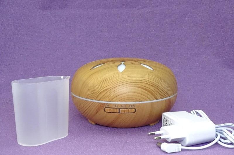Continut cutie difuzor de aromaterapie Peabble