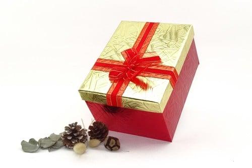 cutie cadou curcubeu
