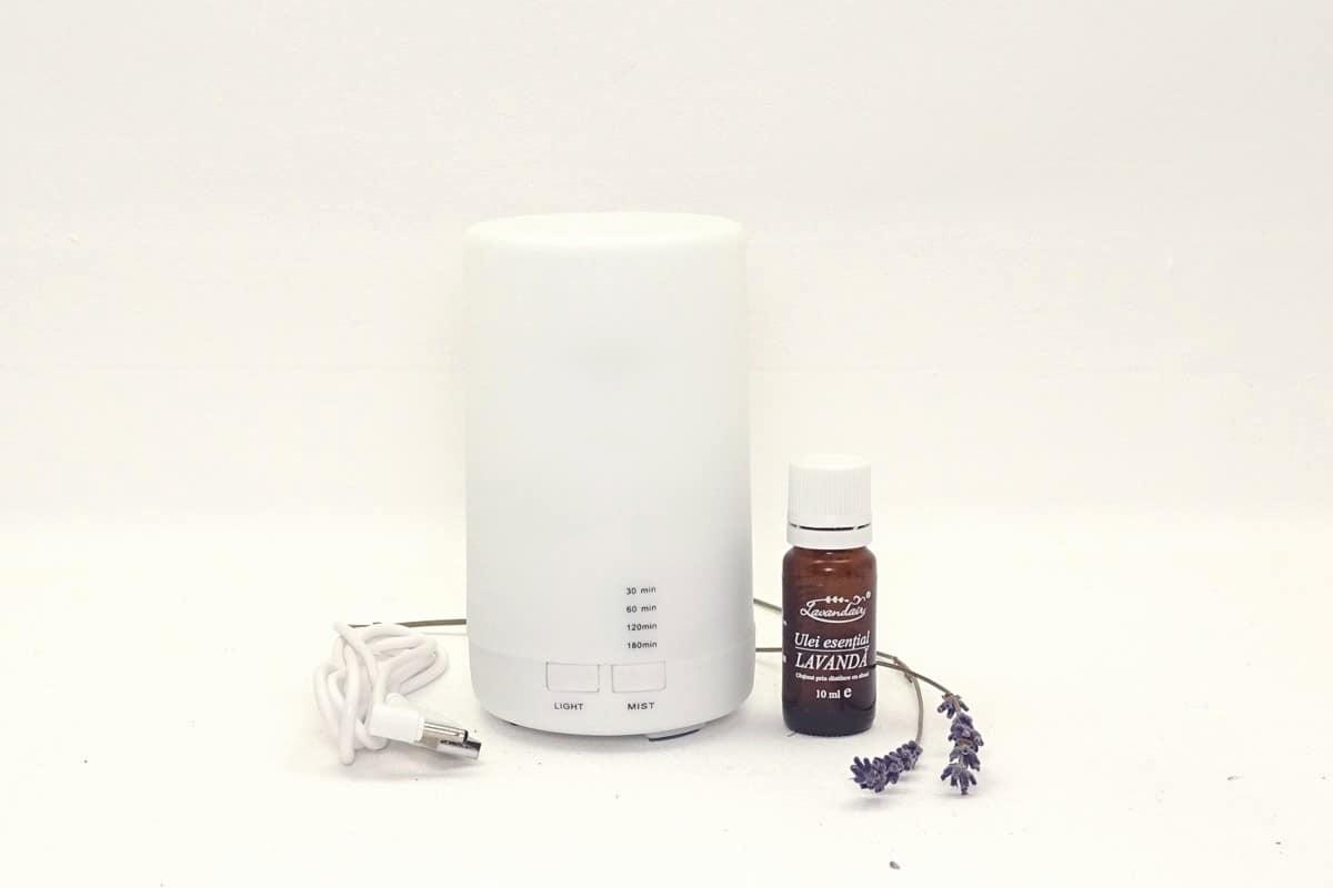 difuzor de aromaterapie + ulei esential de lavanda